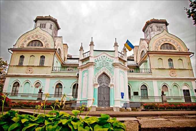 Дворец Лопухиных в Корсуне-Шевченковском
