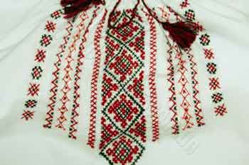 Вишивка на більшості сорочок непродумана, – черкаська майстриня про моду на вишиванки