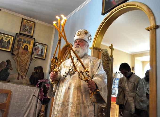 Владика Софроній відзначив настоятеля черкаського храму