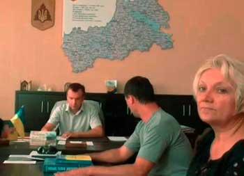 Громадські активісти намагалися знайти Ткаченка, щоб поговорити про реформу