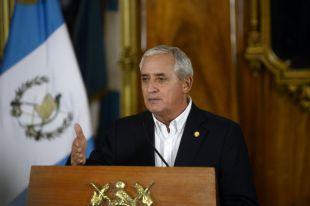 Президенту Гватемалы запретили выезжать из страны
