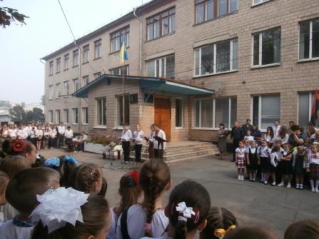 У Звенигородці відкрили меморіальну дошку загиблому в АТО герою