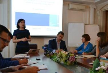 В Черкассах правоохранители и общественность обсудили проблемные вопросы нарушения избирательного законодательства и пути их решения