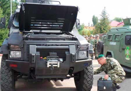 КрАЗ презентував прикордонникам оновлені бронеавтомобілі