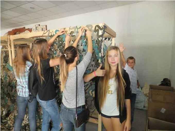Джури черкаської школи витратили вихідні на допомогу армії