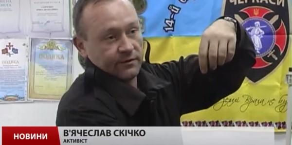 """Черкаські волонтери шиють зимову форму для танкістів з новими """"фішками"""""""