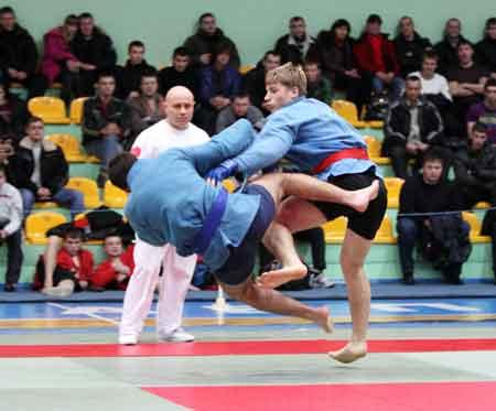 Черкаські самбісти привезли три золотих та три бронзових медалі з Кубку України