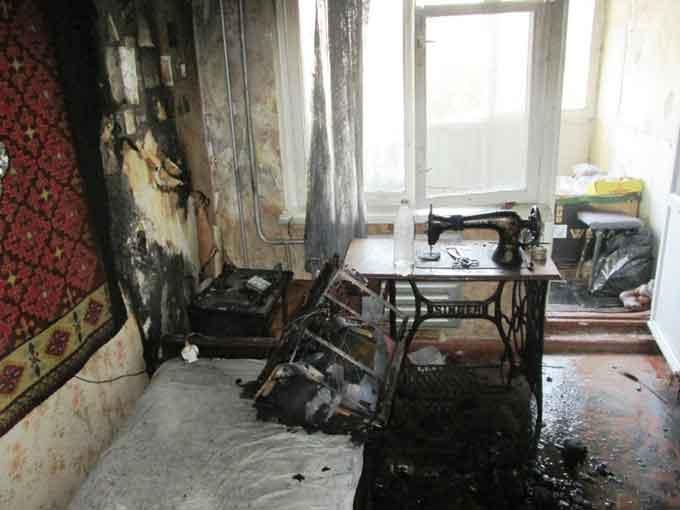 На Гоголя у багатоповерхівці через замикання у телевізорі згоріла квартира (відео)
