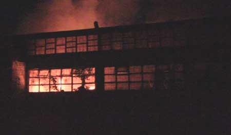 У Черкасах рятувальники ліквідували пожежу яка виникла у приміщенні з виготовлення паливних гранул