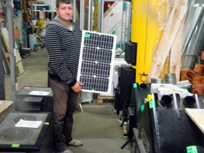 У Тальному починають встановлювати сонячні батареї