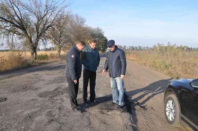 В Чорнобаївському районі триває ремонт доріг