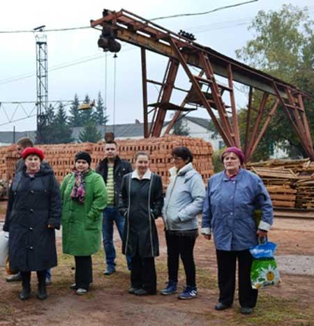 Безробітні знайомились з роботою «Ватутінського комбінату будівельних матеріалів»