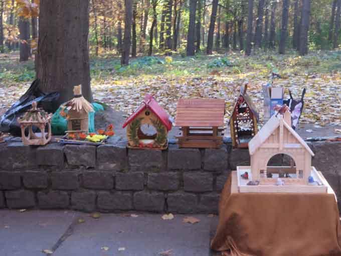У рамках проекту «Птахи нам будуть вдячні» черкаські школярі змайстрували понад 300 годівничок