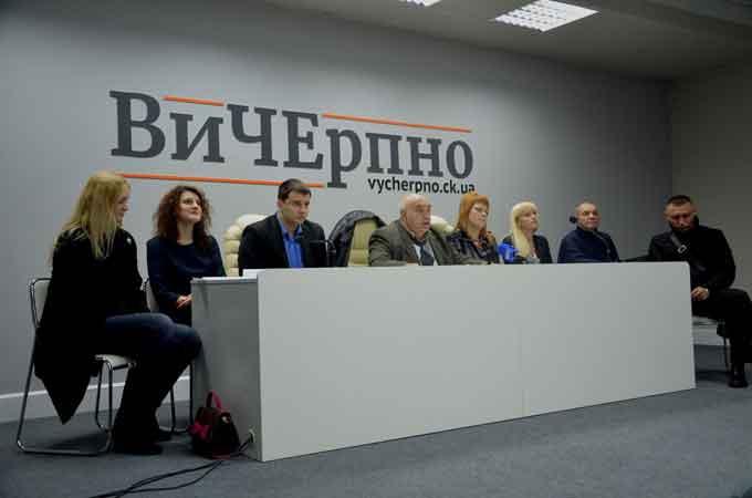 Результати виборів у Черкасах визначають не виборці, а «великі дяді» з Києва, – колишній голова ТВК