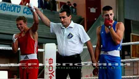 Черкаські брати-боксери планують побити рекорд Кличків (відео)