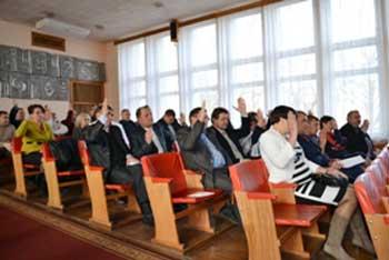 Сесія Драбівської районної ради на першому засіданні голови не обрала