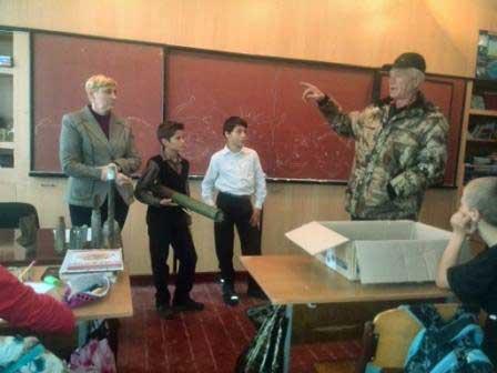 Хутірські школярі передали допомогу в зону АТО