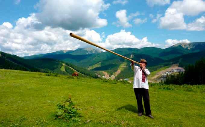 Трембіта — унікальний український інструмент, який потрапив до Книги рекордів Гіннесу
