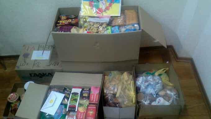 Дві черкаські школи зібрали гроші та солодощі для наших військових у зоні АТО