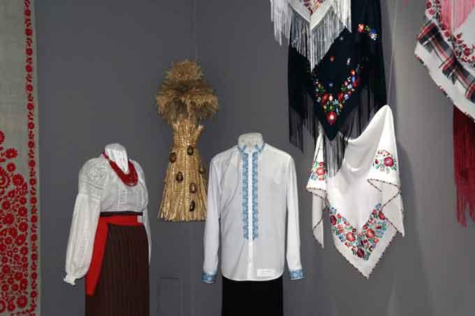 У Черкасах запрацювала персональна виставка Ольги Мартинової