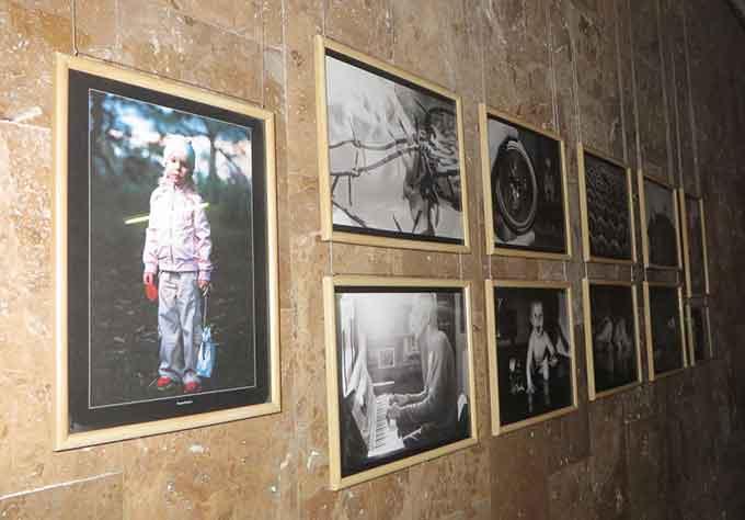 У Черкаському Палаці молоді відкрилася фотовиставка молодих художників