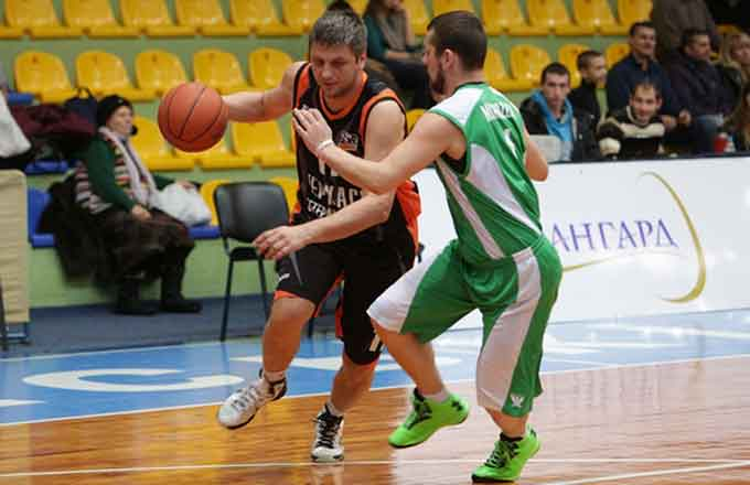 У Черкасах триває чемпіонат міста з баскетболу
