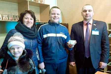 Першу паспорт-картку на Черкащині отримав золотоніський школяр