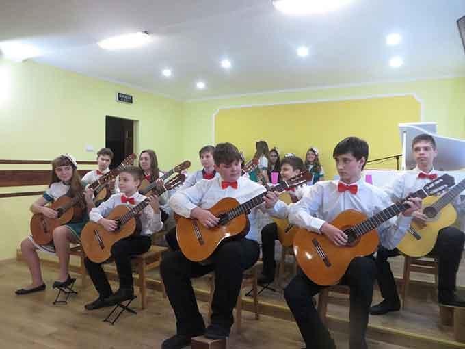 17 лютого у черкаській музичній школі № 5 відкрили оновлену концертну залу