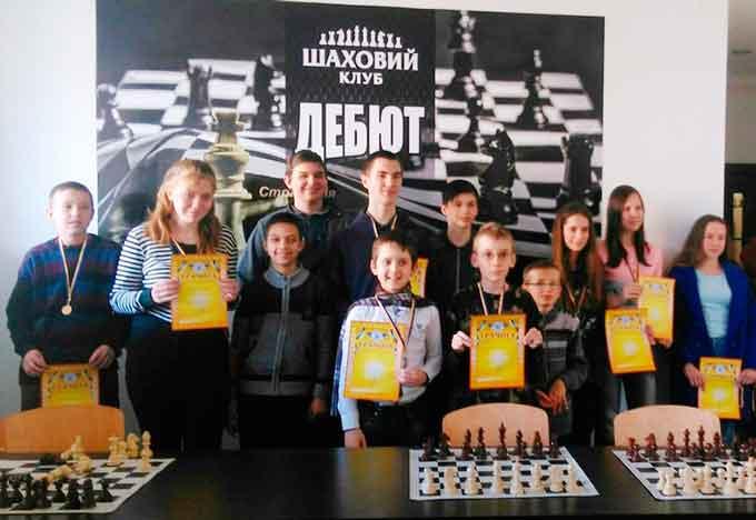 У Черкасах провели чемпіонат міста з шахів серед юнаків та дівчат