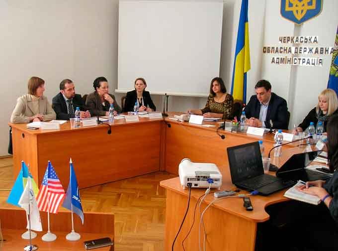 На Черкащині говорили про покращення допомоги жертвам торгівлі людьми