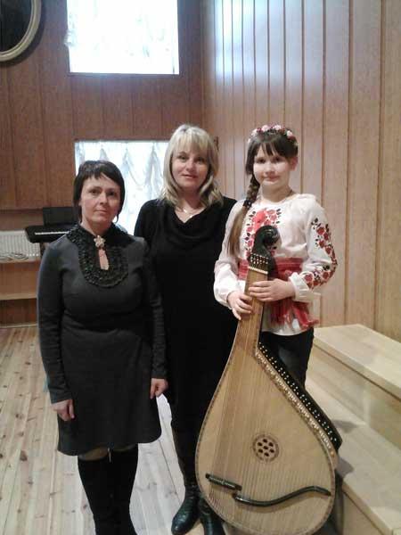 Бандуристка з Чорнобаївщини привезла нагороди з Києва