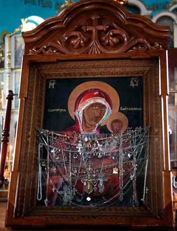 Черкаською єпархією подорожує чудотворний образ Божої Матері «Байтальська»