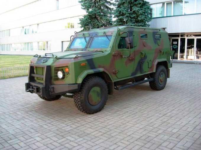 На черкаському заводі виготовили броньовик «БАРС-6» (ТТХ)