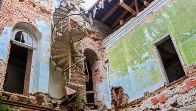 На Черкащині руйнується наймасштабніший замок в Україні