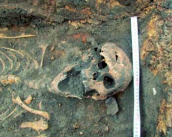 На Черкащині при будівництві багатоповерхівки знайшли останки людських тіл (відео)