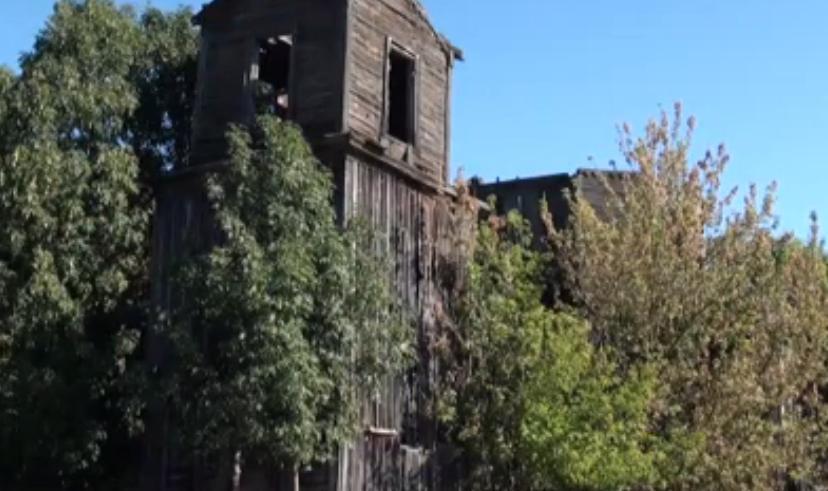 На Черкащині старовинну церкву розбирають на дрова