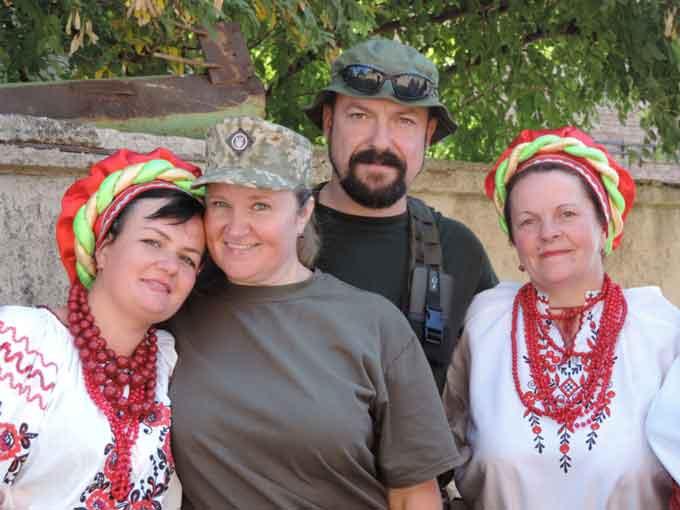 Чорнобаївські артисти зустріли земляків в зоні АТО (фото)