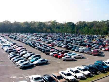 Депутат пропонує переобладнати автостоянки в Черкасах в багатоповерхові паркінги