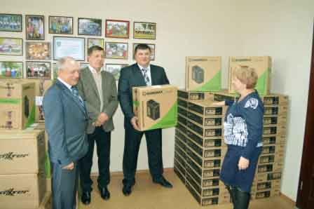 Для навчальних закладів Черкаського району закуплено 96 сучасних комп'ютерів