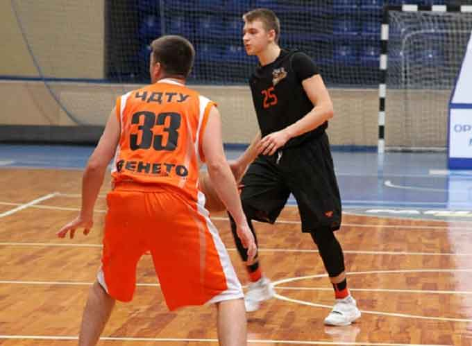 У Черкасах триває аматорський чемпіонат міста з баскетболу