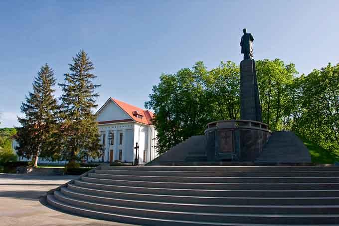 Лише близько 12 тисяч туристів обслужили на Черкащині у минулому році