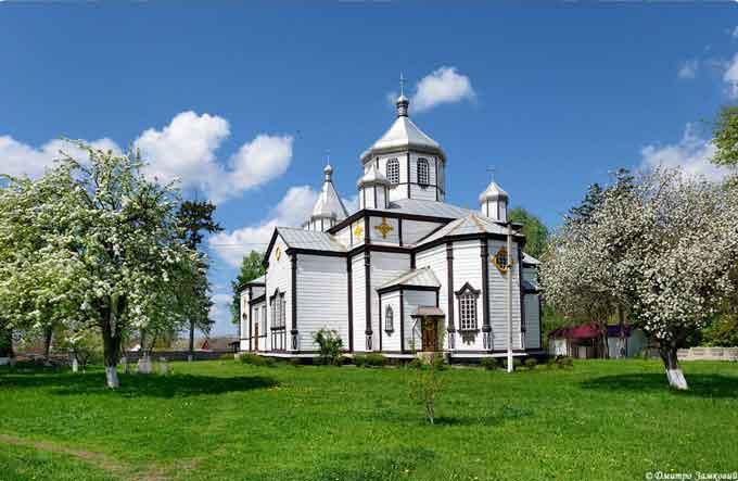 Церковь святого архангела Михаила в селе Михайловка Черкасской области