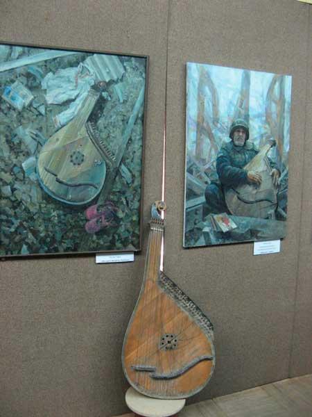Виставка пам'яті загиблих на Донбасі добровольців тактичної групи «Білорусь» працює у Кам'янці