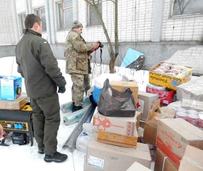 Бійцям на Схід відправили черговий вантаж гуманітарної допомоги