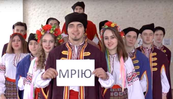 Відео про те, як чигиринські «козаки» спортом займалися підкорює мережу