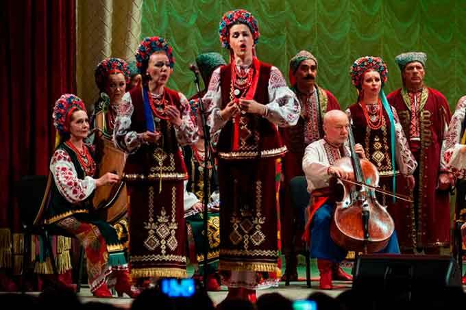 У Чернівцях виступив легендарний Черкаський народний хор