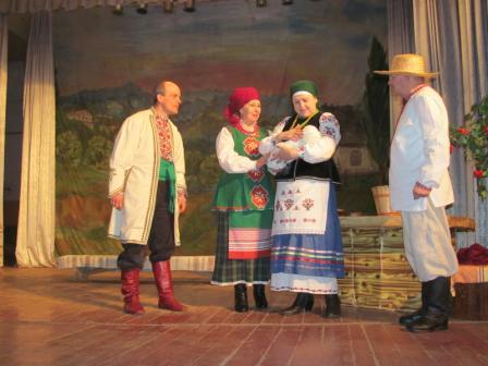 Актори-аматори з Монастирища вдало виступили на огляді-конкурсі драматичних колективів