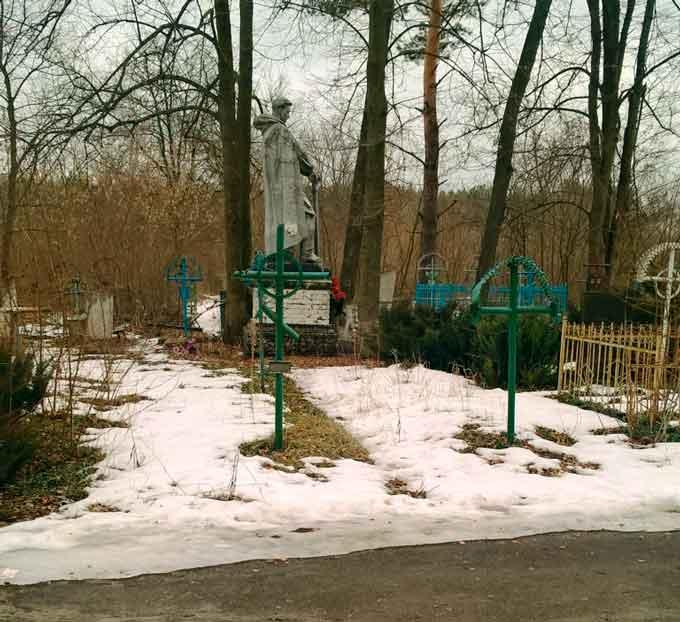 В Катеринополі розпочались роботи по благоустрою кладовищ