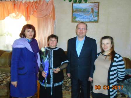 Почесне звання України «Мати-героїня» отримала Галина Свінціцька з Монастирищини