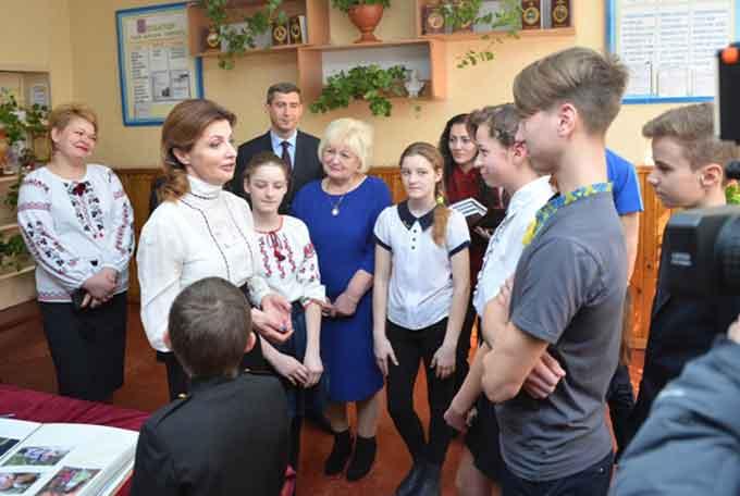 Дружина Президента України презентувала «Книгу Миру» в Каневі